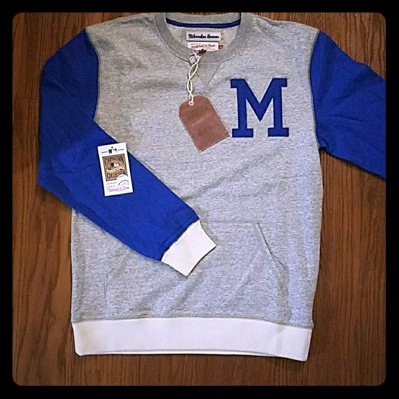 Licensed Milwaukee Brewer Crew Neck Sweatshirt 663833939